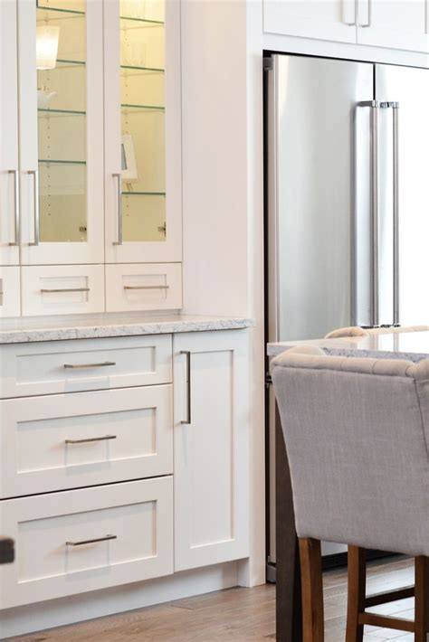 overstock kitchen cabinet hardware tips on choosing new cabinet pulls overstock 3908