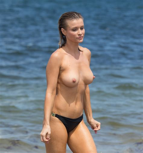 Joanna Krupa Topless Perfection At The Beach In Miami
