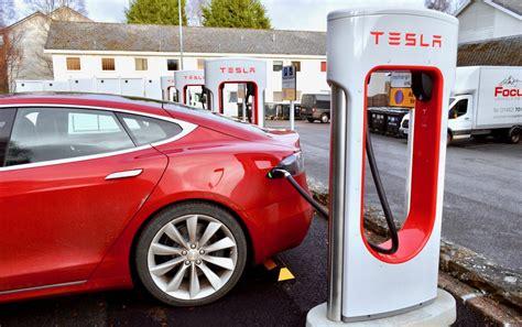 tesla plans supercharger restaurant  stop charging