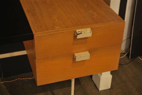 bureau paulin bureau cm 141 lacqué blanc de paulin edition thonet
