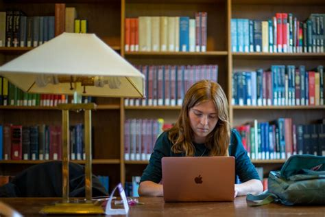 Independent Study Courses Enable Students to Pursue