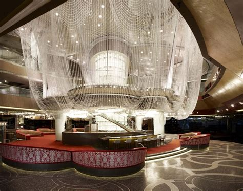 chandelier bar las vegas 5 coolest hotel bars travefy