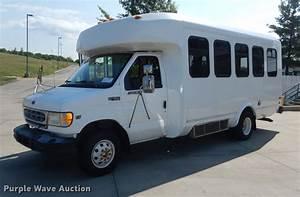 1999 Ford Econoline E450 Super Duty Eldorado Shuttle Bus