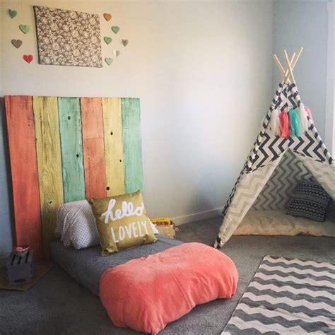 Deere Toddler Bedroom Decor by Ideas Montessori Para Decorar El Cuarto De Tu Wawita