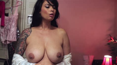Naked Tera Patrick In Live Nude Girls Ii
