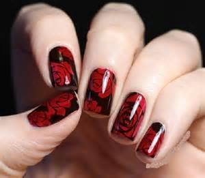 Cute white and red polka dots bow nail art deisgn