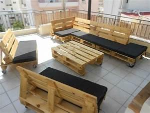 Gestaltung Mit Paletten : sofa aus paletten 42 wundersch ne bilder ~ Whattoseeinmadrid.com Haus und Dekorationen