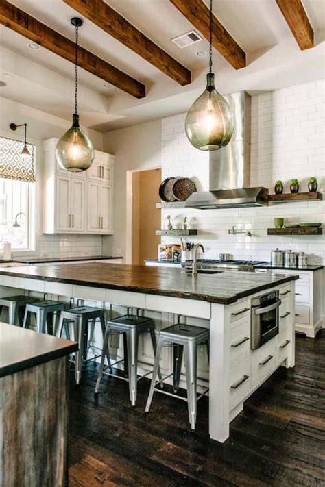 tabouret ilot central cuisine la cuisine avec ilot cuisine bien structurée et