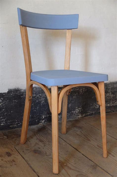 chaise bistrot les 25 meilleures idées de la catégorie tabourets peints