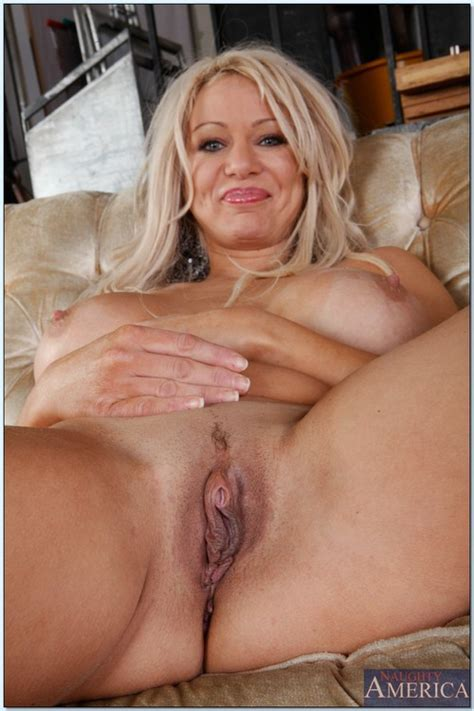 Filthy Mature Woman Rubbing Snatch And Screwed Photos
