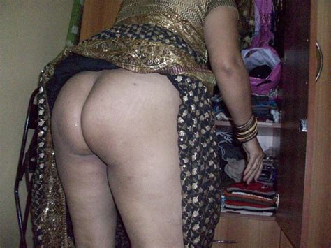 Big Boobs Bhabhi Stripping Saree Show Huge Ass Hd Images