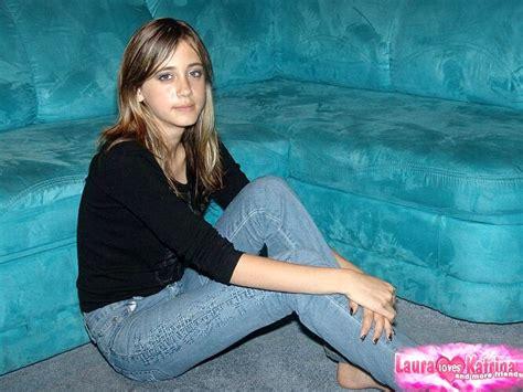 Laura Loves Katrina Lauraloveskatrina Model High End Undressing Image De Sex Hd Pics