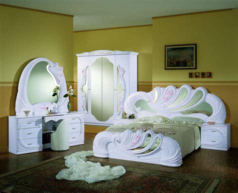 chambre en italien chambre à coucher en meuble italien laqué blanc pictures