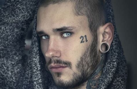 114 Face Tattoos That Are Holy Sh*t Amazing