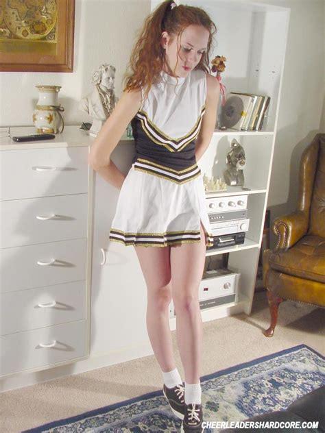 Teen Cheerleader Spreading Pussy 2588