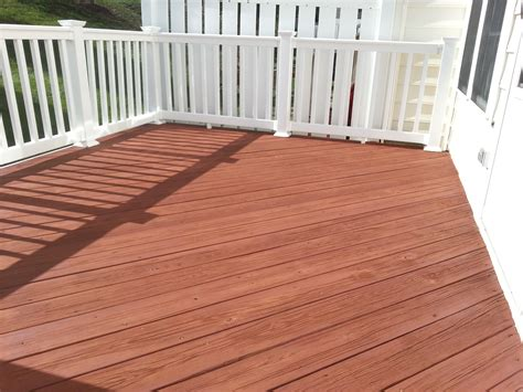 shouldnt    solid stain  paint   deck