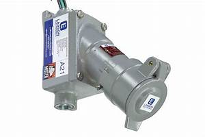 Explosion Proof Receptacle - 208y  240v - 30 Amp Rated