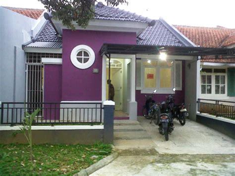 kombinasi desain warna cat rumah ungu  bagian luar