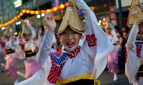 obon buddhist japanese festival reaches peak numbers