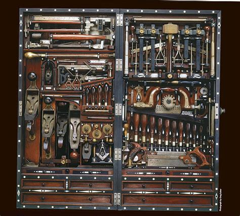studley tool chest   facelift finewoodworking