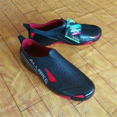 Sepatu Hujan jual sepatu keren sepatu karet tahan air sepatu saat hujan