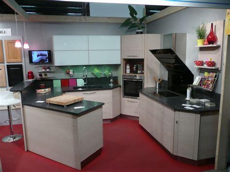 cuisine d angle pas cher cuisine avec frigo noir