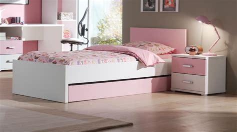 lit bébé chambre parents finest facile sur loeil lit chambre enfant lit enfant