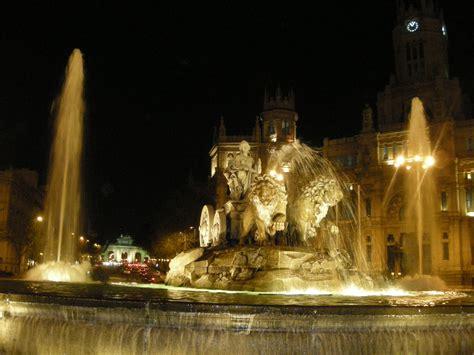 turisti per caso madrid madrid fontana di cibele viaggi vacanze e turismo