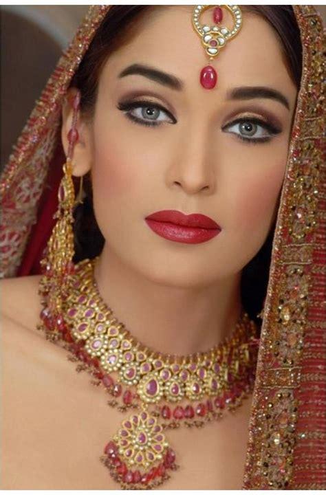 World Complete Fashion For Girls Beautiful Pakistani