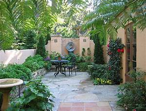 The Art of Landscaping a Small Yard