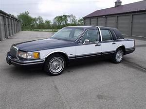 1993 Lincoln Town Car - Pictures