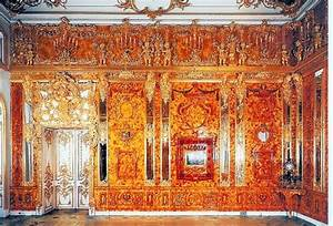 Russian Craftsmen To Recreate Parts Of Lost Amber Room
