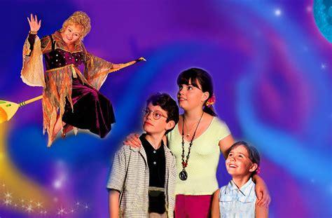 Cast Of Halloweentown 2 by Novedades Disney Pel 237 Culas Disney Para Halloween