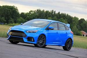 Ford Focus Rs Bleu : 2016 ford focus rs in nitrous blue mega photo gallery future motoring ~ Medecine-chirurgie-esthetiques.com Avis de Voitures