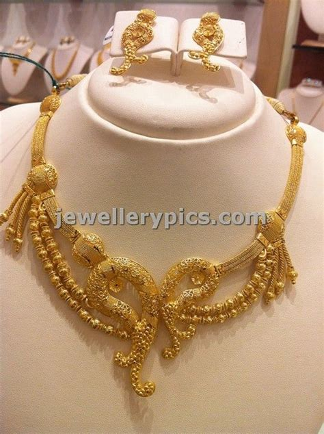 light weight gold necklace by nalli