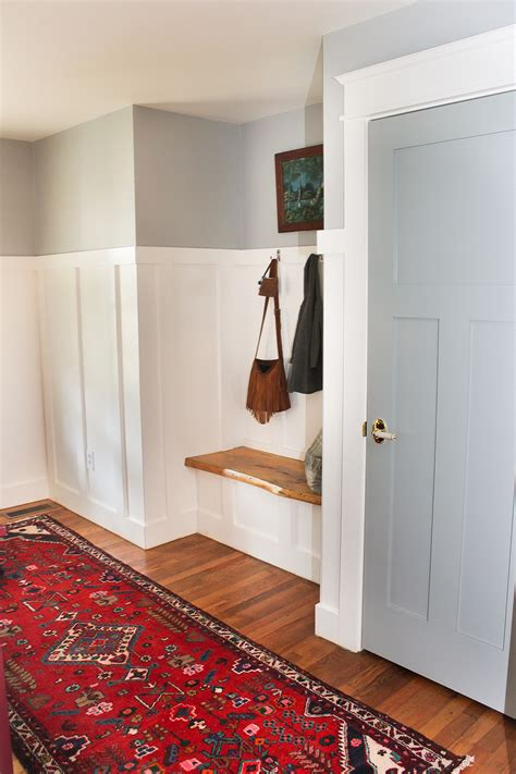built in mudroom bench entry updates new rug thewhitebuffalostylingco