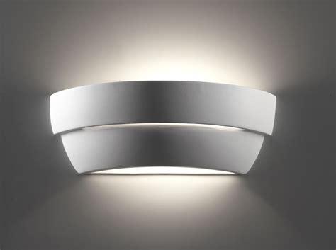 applique a parete illuminare casa con applique da parete in gesso e in ceramica