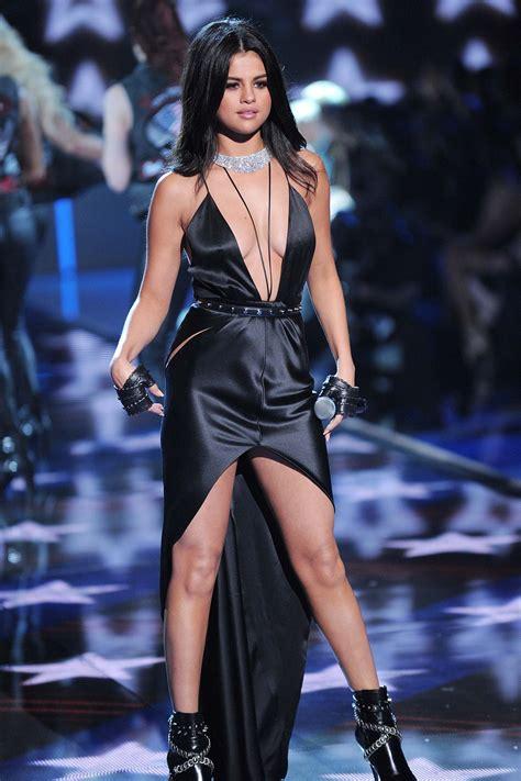 selena gomez performs  victorias secret fashion show