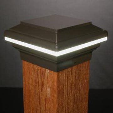 Saturn Low Voltage LED Post Cap - 6x6 Wood