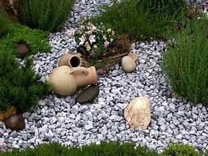 Beetgestaltung Mit Kies : beet mit steinen produkte splitt und kies natursteinhandel coenen nowaday garden ~ Whattoseeinmadrid.com Haus und Dekorationen