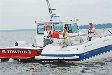 Boat Us Gold Membership by Towboatus And Seatow Assisting Boaters In Distress The Log