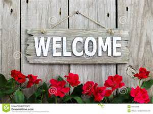 Wood Welcome Sign with Flower