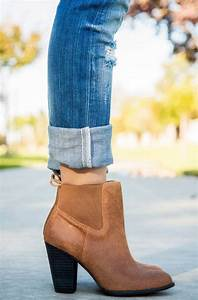 10 Tips To Help You Select Right Pair Of Shoes For Your Jeans
