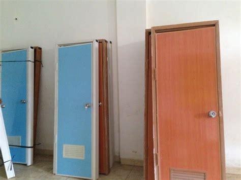 kumpulan pintu kamar mandi  ukuran pintu kamar mandi