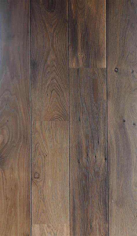cuisine ch麩e massif les 25 meilleures idées concernant chêne massif sur parquet en chêne