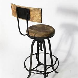 Tabouret De Bar Industriel Avec Dossier : les 25 meilleures images du tableau tabouret sur pinterest ~ Teatrodelosmanantiales.com Idées de Décoration
