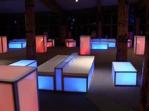Led Sofa : led sofa ~ Pilothousefishingboats.com Haus und Dekorationen