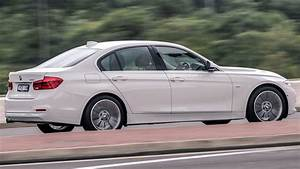 Bmw 318 I : 2016 audi a4 bmw 3 series and mercedes c class review carsguide ~ Medecine-chirurgie-esthetiques.com Avis de Voitures
