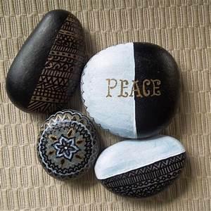 Steine Bemalen Wasserfest : steine bemalen farbe finest hand painted dotted mandala souvenir magnet magnets pinterest ~ Frokenaadalensverden.com Haus und Dekorationen