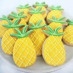 cookie decorating    pretty hibiscus cookies
